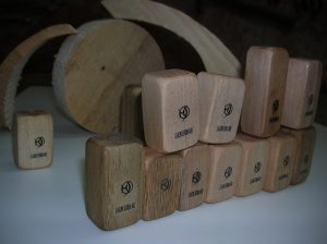 Cajon smallest in the world that produces sound
