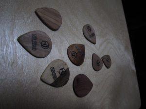 wood guitar pick